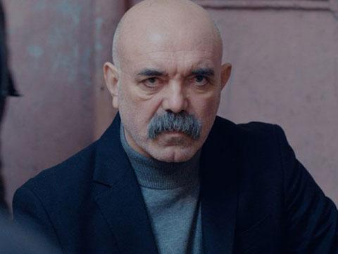 """Ercan Kesal... """"ÇUKUR""""DAKİ ŞİDDETİ MASUM BULDU!"""