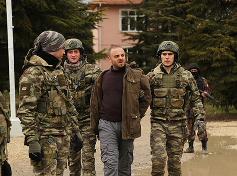 Savaşçı... KILIÇ TİMİ ATEŞ ÇEMBERİNDE!