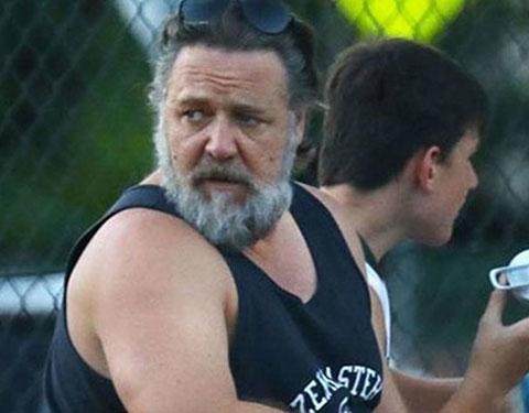 Russell Crowe...ORMAN YANGINI ÇİFTLİĞİNİ VE MALİKANESİNİ VURDU!