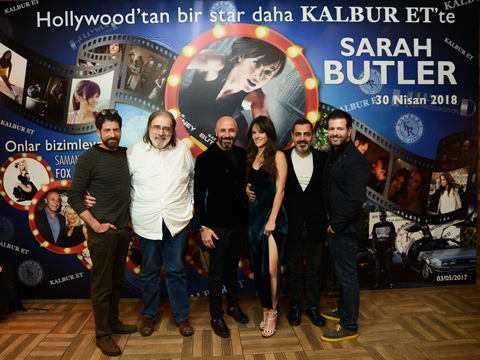 Sarah Butler… HOLLYWOOD'DAN GELDİ; İSTANBUL'DA KEBABA DOYDU!...