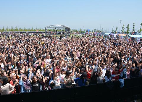 İstanbul Gençlik Festivali... ŞEHRİN FESTİVALİ  SONA ERDİ!