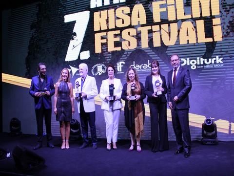 7.Atıf Yılmaz Kısa Film Festivali... GÖRKEMLİ BİR GALA İLE KAPANIŞ YAPTI!..