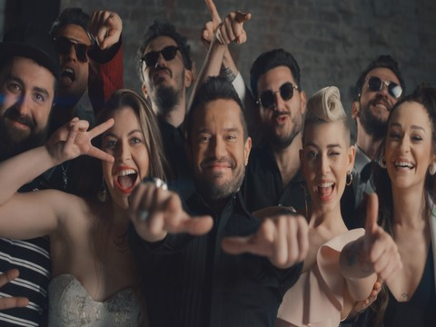 """Ozan Doğulu Orkestrası... İLK ŞARKILARI """"EFSANE"""" YE RENKLİ KLİP!.."""