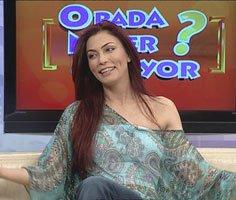"""Leyla Bilginel...  """"DENİZ AKKAYA HIRSIZLIK YAPTI""""!"""