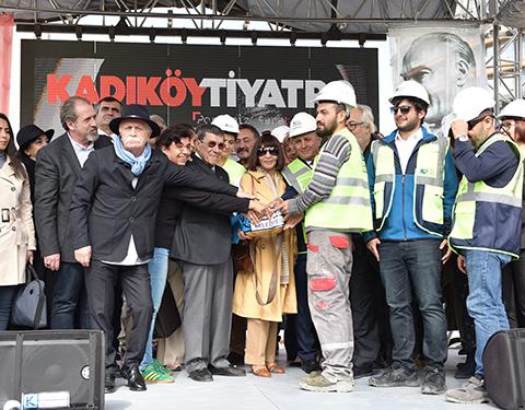 Kadıköy Tiyatro... SANATÇILARLA TEMELİ ATILDI!