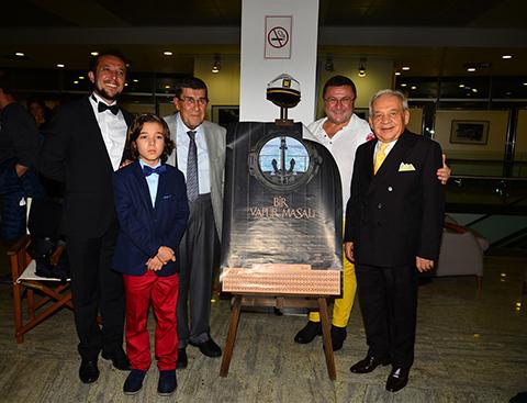 Bir Vapur Masalı-A Ferry Tale...40 ÖDÜLLÜ FİLME TÜRKİYE'DE GALA!