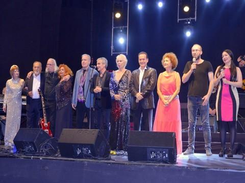 Annemin Şarkıları... HARBİYE AÇIKHAVA'DA NOSTALJİ RÜZGARI!..