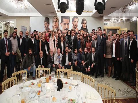 Mehmetçik Kutlu Zafer... İLK BÖLÜMÜNÜ EKİP BİRLİKTE İZLEDİ!..