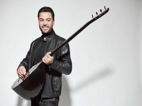 Ahmet Koç... BAĞLAMAYLA MOZART ÇALACAK!..