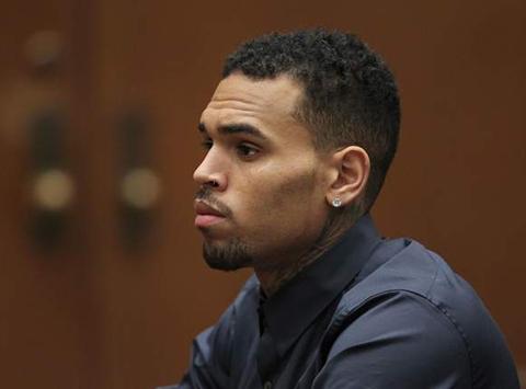 Chris Brown... TECAVÜZ İDDİASI TUTUKLATTI!