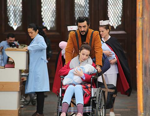 Bir Aile Hikayesi... REYHAN'IN BÜYÜK SIRRI!