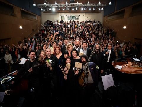 Dünya Tiyatro Günü... ENKA SAHNESİ'NDEN AŞK ŞARKILARI YÜKSELDİ!..
