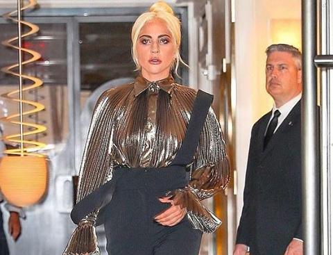 Lady Gaga...1.55 ARTI 18!