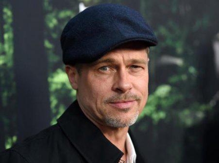 """Brad Pitt...""""HOLLYWOOD GENÇ ERKEKLERİN OYUNU"""""""