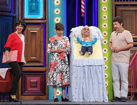 Güldür Güldür Show...İSMAİL BEBEĞE HARİKA DADI!