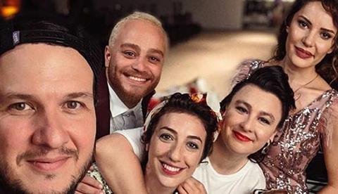Şahan Gökbakar - Yasemin Sakallıoğlu...'ZEGNO' İLE GÜLDÜRECEKLER!