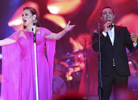 Deniz Seki - Rafet El Roman...HARBİYE'DE İKİ ROMANTİK!