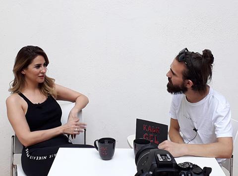 Aynur Aydın...'KISKANILDIĞIMI DÜŞÜNÜYORUM!'