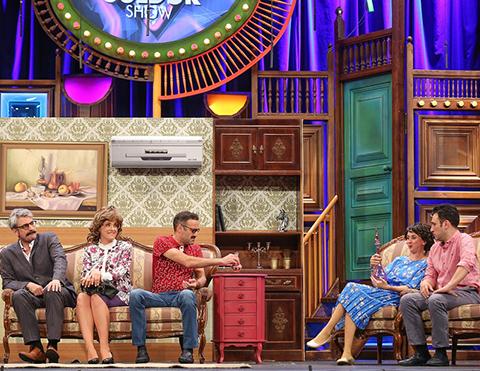 Güldür Güldür Show...İSMAİL'İ BEKLEYEN BÜYÜK KRİZ!