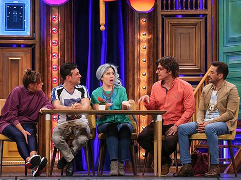 Güldür Güldür Show...SOSYAL MEDYA FENOMENİ BURCU!