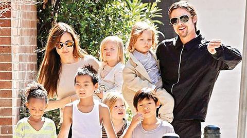 Angelina Jolie...'BRAD ÇOCUKLARIMIN HAYATINI MAHVETTİ'