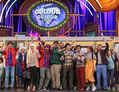 Güldür Güldür Show...METROBÜS YOLCULUĞUNUN İNCELİKLERİ!