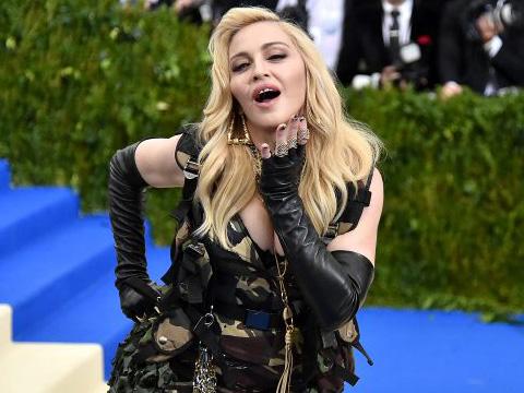 Madonna...KONSERLERİNİ NEDEN İPTAL ETTİ?