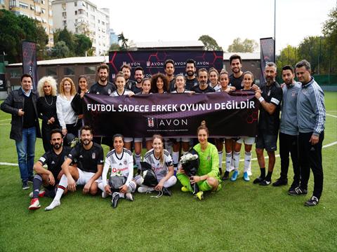 BJK kadın futbol takımı... ERKEKLERİ DİZE GETİRDİ!