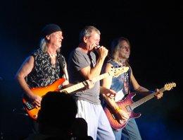İlk Haber / Deep Purple...İSTANBUL'U SALLAYAMADI AMA İZ BIRAKTI...