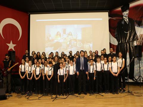 7'den 77'ye Barış Manço Şarkıları...ESENYURT MÜZİKLE COŞTU!