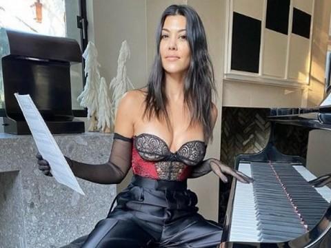 Kourtney Kardashian... TEPKİ ÇEKEN ERMENİ BAKLAVASI PAYLAŞIMI!..