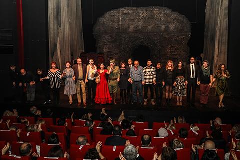 İBB Şehir Tiyatroları...'AY CARMELA!' GÖRÜCÜYE ÇIKTI!