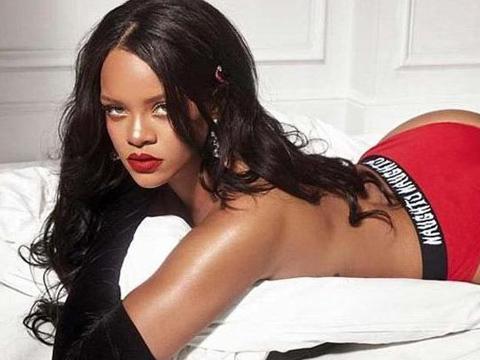 Rihanna...ARAP SEVGİLİNİ BIRAKTI!