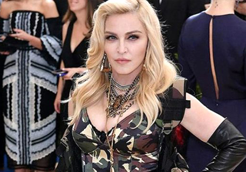 Madonna... RUSYA 1 MİLYON DOLAR CEZA KESTİ!