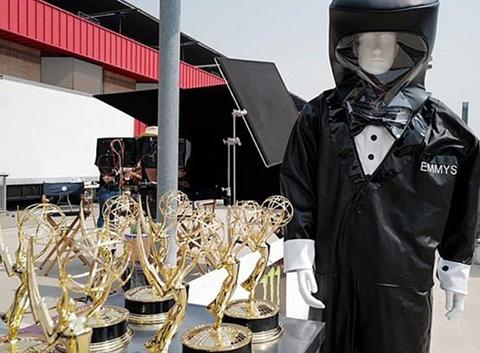 72. Primetime Emmy Ödüller... SUNUCULAR İÇİN ÖZEL TASARIM KIYAFET!