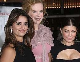 Nicole,Penelope,Fergie...ÜÇ YILDIZ KIRMIZI HALIDA!...