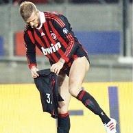 David Beckham... SAHADA STRİPTİZ!