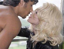 Madonna...22 YAŞINDAKİ SEVGİLİSİ JESUS'TAN ÇOCUK İSTİYOR!...