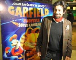 Okan Bayülgen... GARFIELD'E HAYAT VERDİ!
