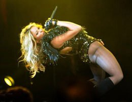 Shakira...NBA ALL STAR GECESİNDE SEKSİ SHOW!...