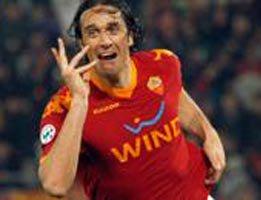 Futbol..İTALYA'DA YILIN MAÇI ROMA-İNTER:2-1!...