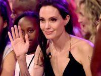 Angelina Jolie...BİR MİLYON DOLAR BAĞIŞLADI!