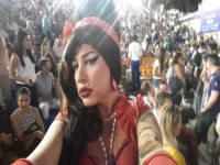 Amy Winehouse... HANDE YENER KONSERİNDE BİR DÜNYA STARI !..