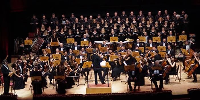 CRR Senfoni Orkestrası...ÇANAKKALE ORATORYOSU AĞLATTI!