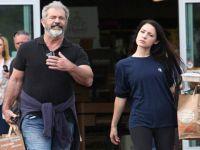 Mel Gibson... 26 YAŞ KÜÇÜK SEVGİLİSİ İLE MANAVDA!..