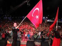 Ferhat Göçer... MERSİN'DE COŞKU DOLU 19 MAYIS KONSERİ!..
