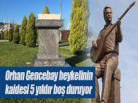 Orhan Gencebay... HEYKELİNİN KAİDESİ 5 YILDIR BOŞ DURUYOR!..