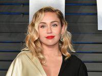 Miley Cyrus...SIRA DIŞI DANSI OLAY OLDU!