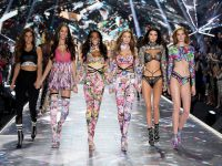 Victoria's Secret Fashion Show... SÜPER MODELLER GÖZLERİ KAMAŞTIRDI!..