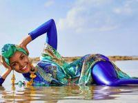 Halima Aden... MÜSLÜMAN MANKEN MAYO DERGİSİNDE!